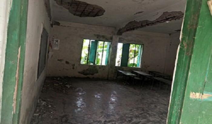 বরগুনায় বিদ্যালয়ের ছাদ ধ্বসে আহত ৫