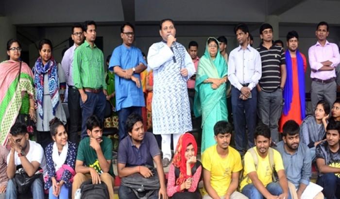 চট্টগ্রাম বিশ্ববিদ্যালয়ে মাসব্যাপী নাট্য প্রদর্শনী