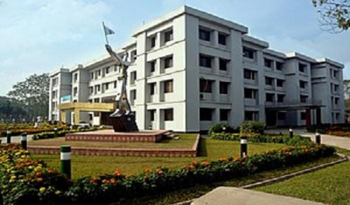 পবিপ্রবিতে বিজয়ের পংক্তিমালা 'জয় বাংলা'