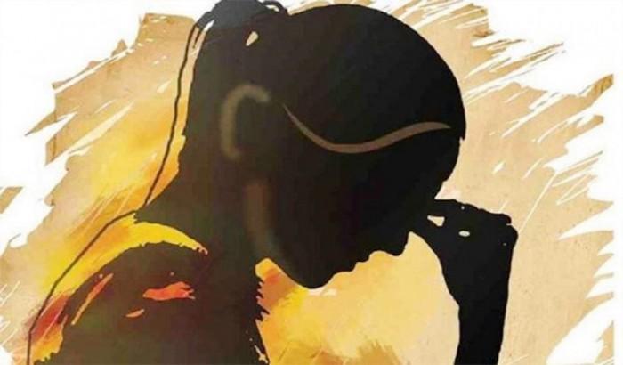 রাবি ছাত্রের কাণ্ড: প্রাইভেট পড়ানোর ছলে ছাত্রীর সর্বনাশ!