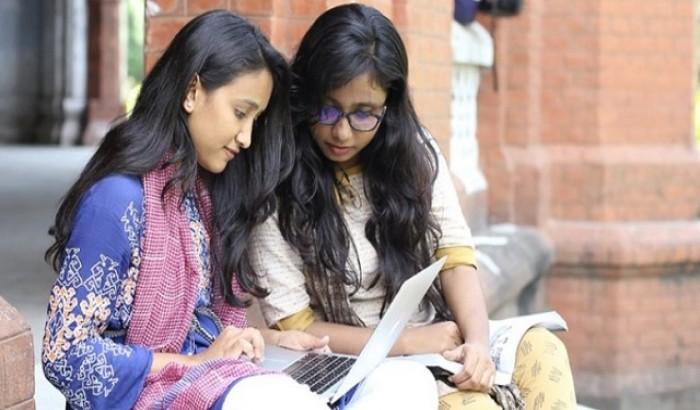 ১৫ লাখ টাকার শিক্ষাবৃত্তি দিচ্ছে 'এডুহাইভ'